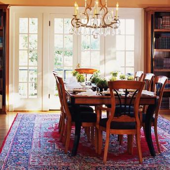 Как подобрать ковёр в столовую